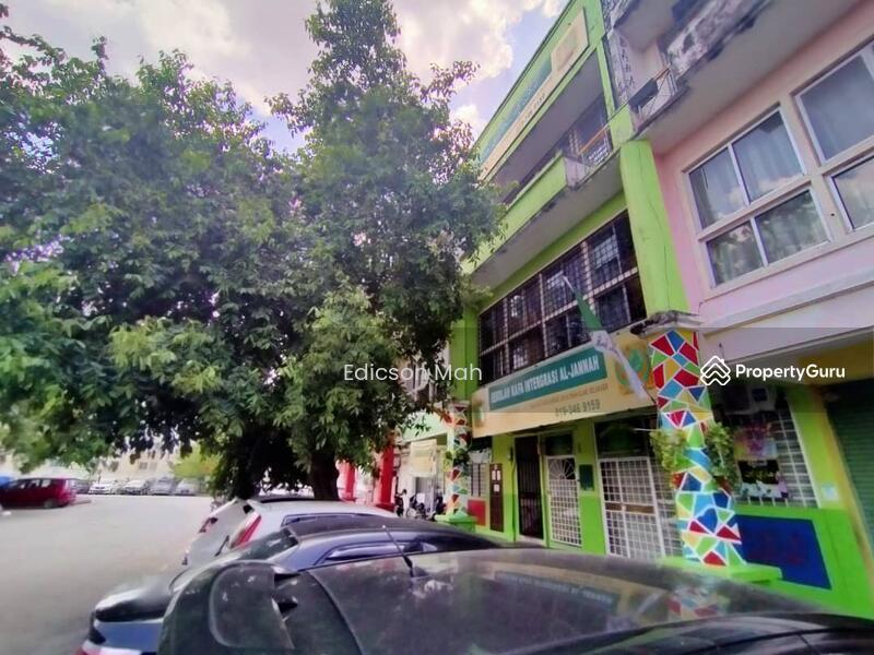 Shah Alam #168509805