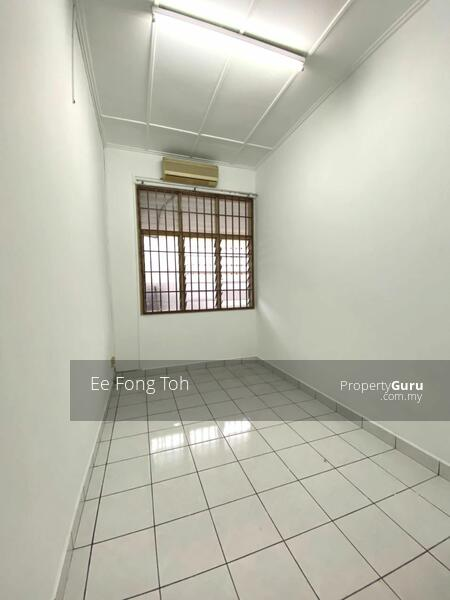 Taman Molek 1.5sty house with renovated #168753479