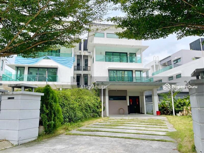 Armada Villa #168771713