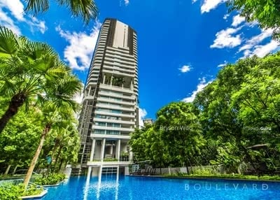 For Sale - (fully furnished) RM50K casbhack Sky Condo above mall 3-4ROOM CONDO
