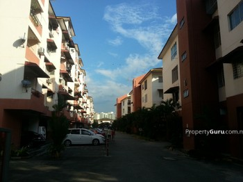 La Villas Condominium